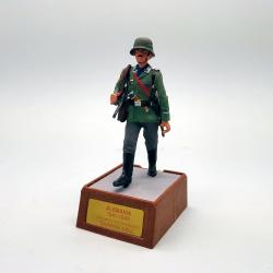 Soldado con MP40. División...