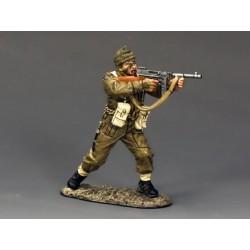 DD191 Sergeant firing Tommy...
