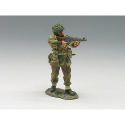 MG012 Standing Firing Sten Gun