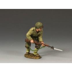 DD185 Advancing w Rifle &...