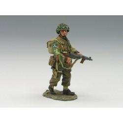 MG011 Lieutenant w Sten Gun