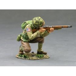 DD083 Kneeling Firing Rifleman