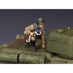 RA024 Soldier Holding burp gun