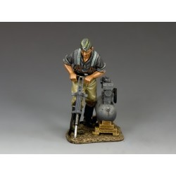 WH028 Engineer w Drill